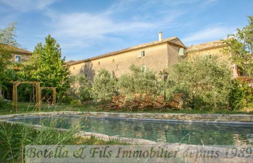 Luxe Huis te koop UZES, 565 m², 13 Slaapkamers, 990000€