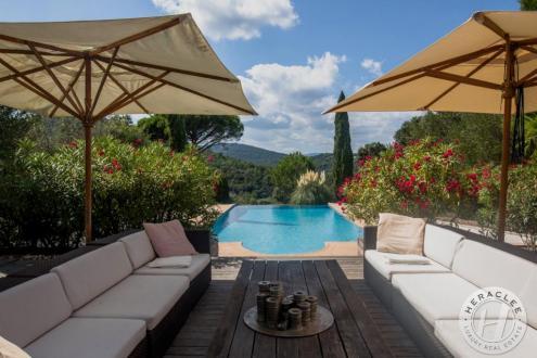 Luxus-Liegenschaft zu verkaufen GASSIN, 250 m², 6 Schlafzimmer, 2756000€