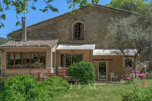 Luxus-Immobilie zu verkaufen LORGUES, 500 m², 8 Schlafzimmer, 1060000€