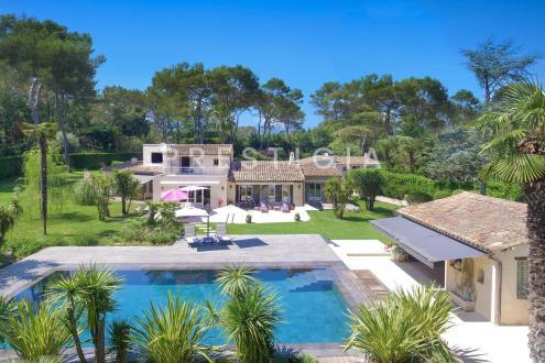 Villa de luxe à vendre VALBONNE, 275 m², 5 Chambres, 1950000€
