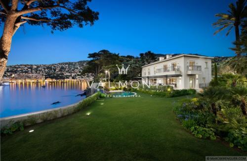 Luxury House for rent VILLEFRANCHE SUR MER, 370 m², 5 Bedrooms,