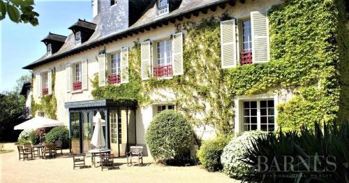 Maison de luxe à vendre RENNES, 2370 m², 35 Chambres, 2862000€