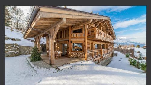 Luxe Landhuis te koop COMBLOUX, 480 m², 7 Slaapkamers, 3700000€