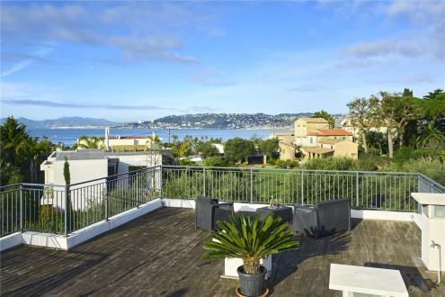 Appartement de luxe à louer CAP D'ANTIBES, 85 m², 2 Chambres,