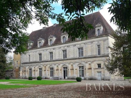 Château / Manoir de luxe à vendre AIGNAY LE DUC, 700 m², 6 Chambres, 990000€