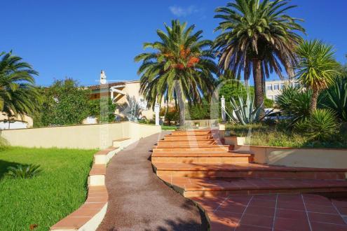 Villa de luxe à vendre SAINT TROPEZ, 220 m², 4 Chambres, 2750000€