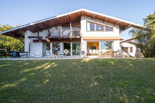 Maison de luxe à louer SAINT JEAN DE LUZ, 350 m², 7 Chambres,