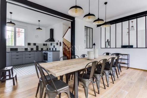 Дом класса люкс на продажу  Довиль, 250 м², 6 Спальни, 1495000€