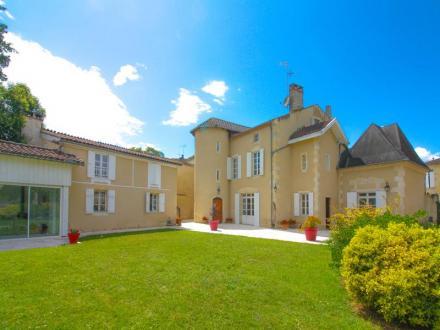 Maison de luxe à vendre CONDOM, 412 m², 5 Chambres, 583000€