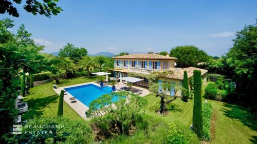 Maison de luxe à louer SAINT TROPEZ, 450 m², 5 Chambres,