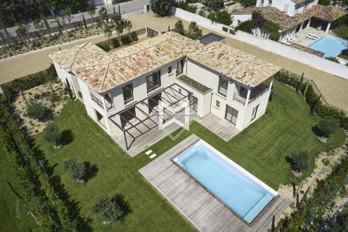 Вилла класса люкс на продажу  Сен-Тропе, 210 м², 5 Спальни, 3600000€
