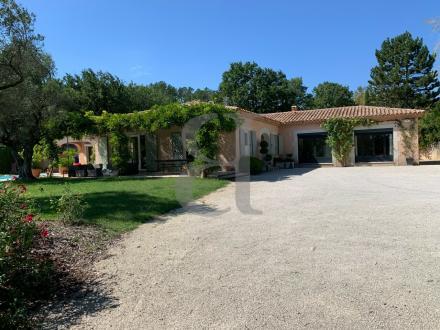 Maison de luxe à vendre GRIGNAN, 243 m², 5 Chambres, 848000€