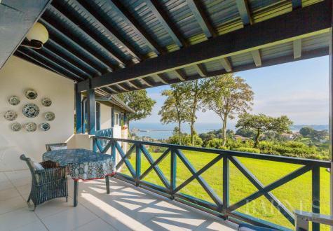 Квартира класса люкс на продажу  Сибур, 197 м², 4 Спальни, 1390000€