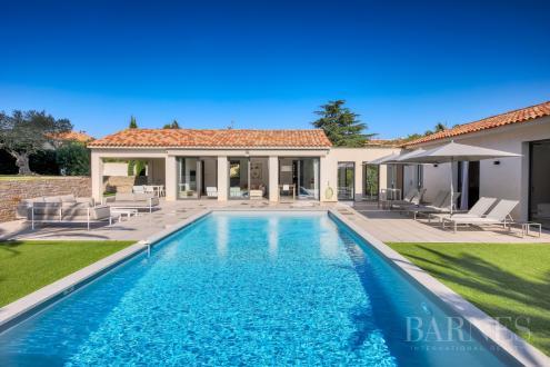Maison de luxe à louer SAINT TROPEZ, 301 m², 5 Chambres,