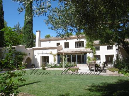 Maison de luxe à vendre VAISON LA ROMAINE, 350 m², 7 Chambres, 1295000€