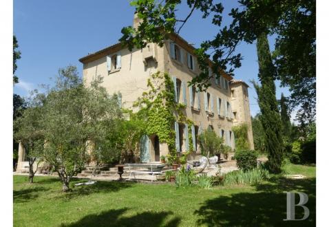 Maison de luxe à vendre LAMBESC, 430 m², 9 Chambres, 1190000€
