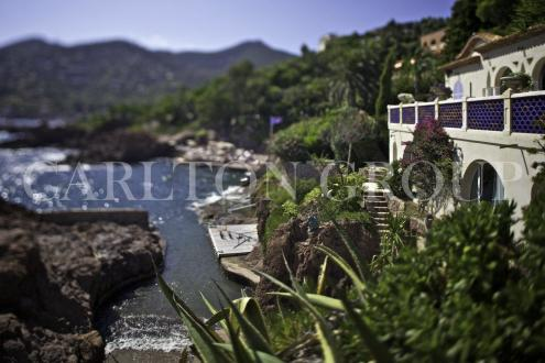 Luxury House for rent THEOULE SUR MER, 300 m², 6 Bedrooms,