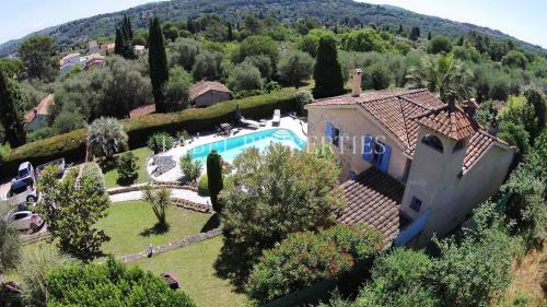 Luxus-Haus zu verkaufen GRASSE, 107 m², 2 Schlafzimmer, 690000€