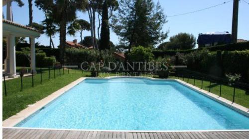 Villa de luxe à vendre CAP D'ANTIBES, 165 m², 3 Chambres, 3100000€