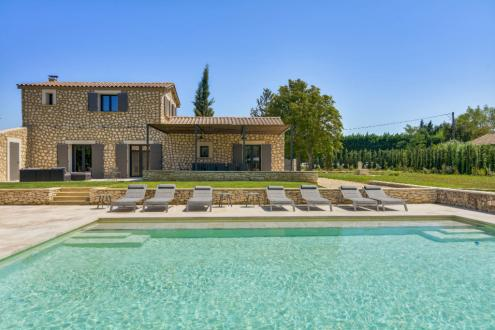 Casa di lusso in affito EYGALIERES, 350 m², 7 Camere,