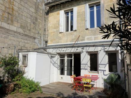 Дом класса люкс на продажу  Бордо, 165 м², 5 Спальни, 750000€