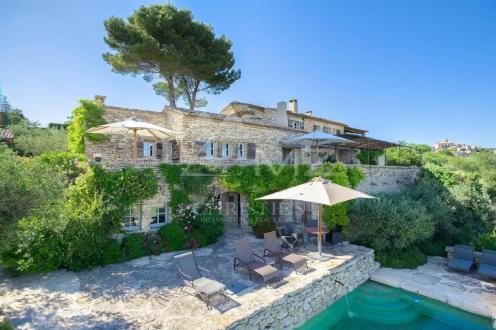 Maison de luxe à louer GORDES, 500 m², 5 Chambres,