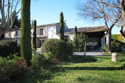 Luxury House for rent EYGALIERES, 250 m²,