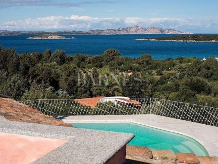 Вилла класса люкс на продажу  Италия, 4 Спальни, 2500000€