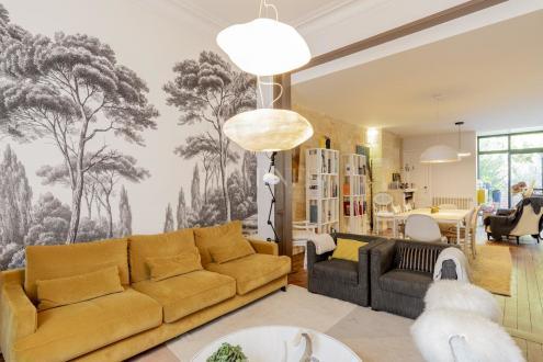 Дом класса люкс на продажу  Бордо, 345 м², 6 Спальни, 1298000€