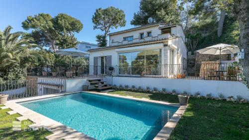 Luxury House for rent CAP D'ANTIBES, 170 m², 3 Bedrooms,