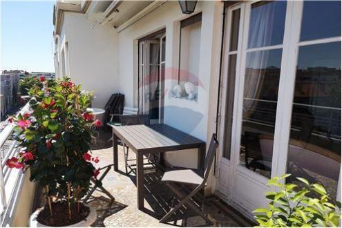 Appartamento di lusso in vendita Lione, 209 m², 5 Camere, 1150000€