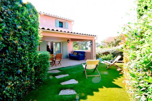 Вилла класса люкс на продажу  Сен-Тропе, 70 м², 990000€