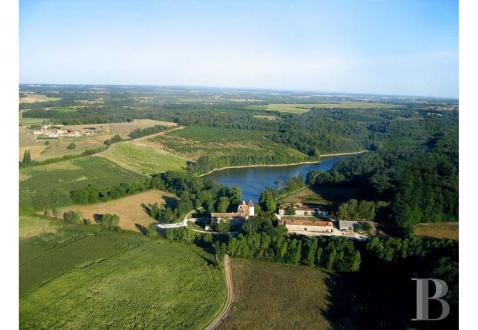 Château / Manoir de luxe à vendre ANGOULEME, 700 m², 11 Chambres, 2900000€