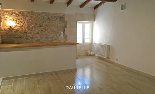 Luxury House for rent CHATEAURENARD, 50 m², 1 Bedrooms, €580/month