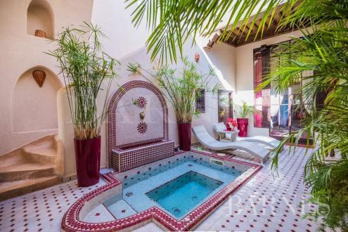 Maison de luxe à vendre MARRAKECH, 286 m², 5 Chambres, 450000€