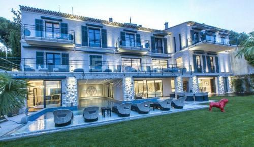 Вилла класса люкс на продажу  Канны, 7 Спальни, 29500000€