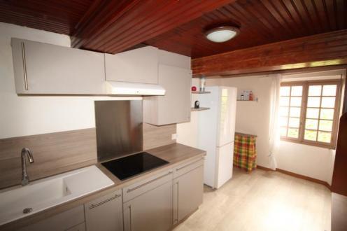 Luxe Appartement te huur OLLIOULES, 45 m², 1 Slaapkamers, 609€/maand