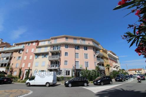 Luxury Apartment for rent SAINTE MAXIME, 70 m², 2 Bedrooms, €1250/month