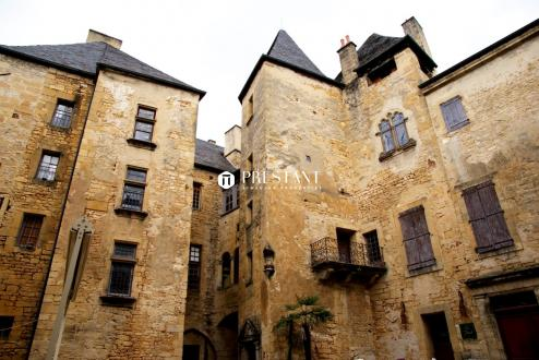 Immeuble de luxe à vendre SARLAT LA CANEDA, 1472 m², 1839285€