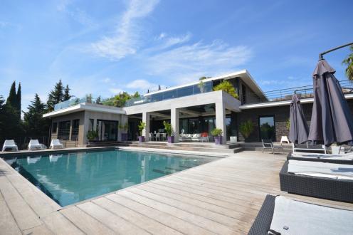 Luxus-Villa zu verkaufen SAINT RAPHAEL, 400 m², 6 Schlafzimmer, 3390000€