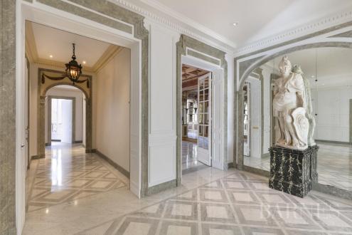 Appartamento di lusso in vendita PARIS 8E, 358 m², 5 Camere
