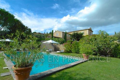 Luxury House for rent GORDES, 300 m², 6 Bedrooms,