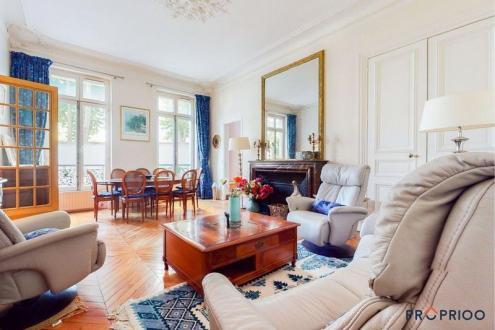 Luxury Apartment for sale PARIS 8E, 81 m², 2 Bedrooms, €1120000