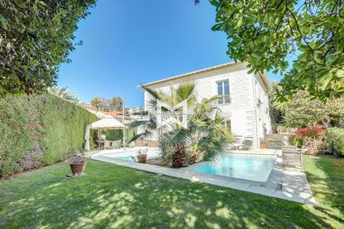 Luxury House for rent CANNES, 225 m², 3 Bedrooms,