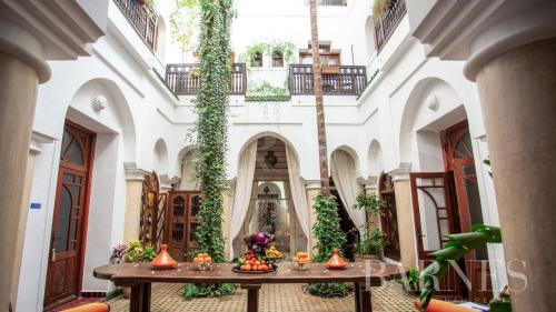 Дом класса люкс на продажу  Марракеш, 450 м², 1500000€