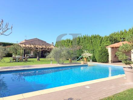 Casa di lusso in vendita L'ISLE SUR LA SORGUE, 227 m², 5 Camere, 599000€