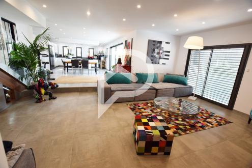 Appartement de luxe à louer SIX FOURS LES PLAGES, 220 m², 3 Chambres,