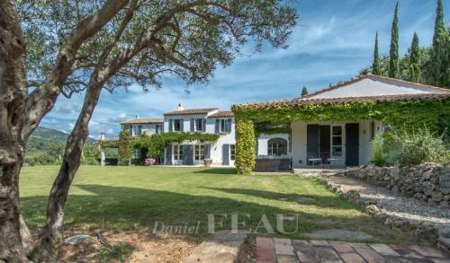 Maison de luxe à vendre GRIMAUD, 435 m², 6 Chambres, 3400000€