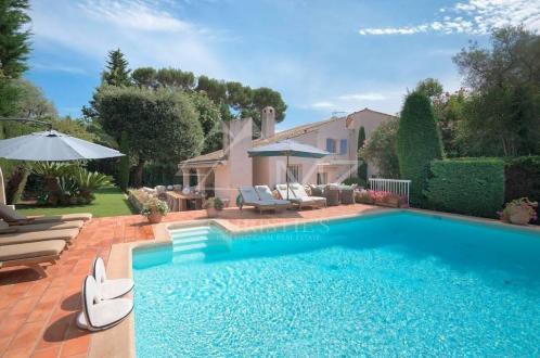 Villa de luxe à vendre CAP D'ANTIBES, 200 m², 5 Chambres, 1990000€