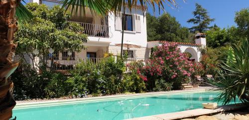 Casa di lusso in vendita LA CIOTAT, 135 m², 4 Camere, 915000€
